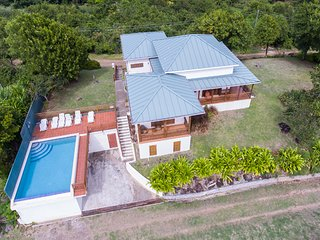 Two Bays Beach Villa - Three Bedroom Villa