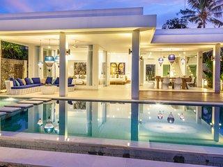 Villa Ibiza: Luxury Beach Villa at Lovina 7 days(!) staffservice