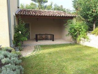 Maison provençale et son cabanon
