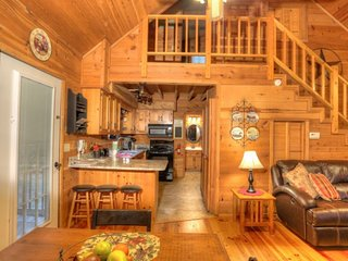 Ramblewood ( 2 Bedroom cabin )