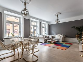 2 BR design apartment in Sthlm's 'Little Paris'