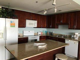 1037 Beach Condo ( 1 Bedroom home )