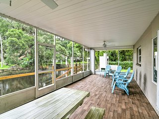 NEW! Rustic Updated Yankeetown Home w/Lanai & Dock