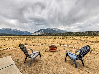 NEW! Remodeled Nathrop Getaway w/ Mountain Views!