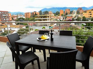 Penthouse Condo ★Great View ★Gym ★Fast WiFi ★CableTV/Netflix ★Security ★Parking1
