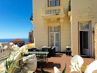 appart in the villa MONACO BEAUSOLEIL terrasse 2/5 pers parking facile