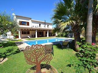 Villa en estilo finca en Vilafranca piscina Wifi bonito jardín para 8 personas
