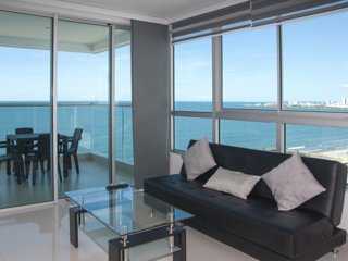 Beautiful 3 Bedroom Beachfront Apartment