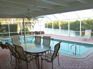 **WHY RENT ORDINARY**Waterfront Canal*Minutes to Beaches*Walking & Biking Paths*