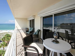 Waterfront Condo w/ Patio & Pool on Madeira Beach!