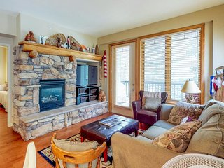 NEW LISTING! Convenient mountain getaway w/view, golf, shared hot tub & pool