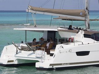 NEW LISTING!  40' Luxury Catamaran Yacht!