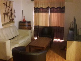 casa amplia todas sus comodidades ...puede alquilar casa completa o habitaciones