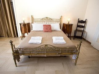 Apartment in the center of Naples with Internet, Air conditioning, Lift (966588)