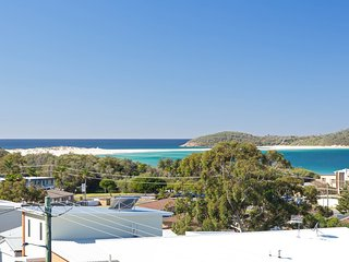 'Whale Tales' 78 Lentara Street - FANTASTIC WATER VIEWS OVER FINGAL BEACH
