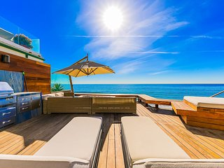 Deluxe Malibu Villa On La Costa Beach