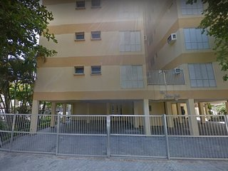 Alugo para Temporada Apartamento com  3 dormitórios Guarujá – Enseada