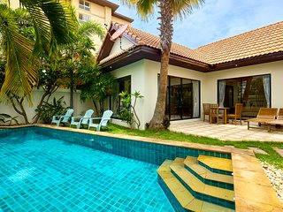 Lovely pool villa!!