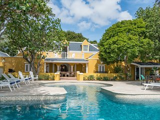 Sirena Bay Estate; Luxury holiday villa with private beach