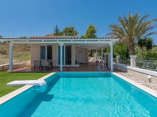 Siesta Luxurious Private Villa with Pool