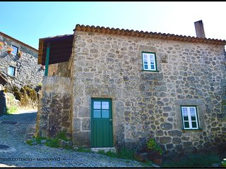 Castelo Cottages II