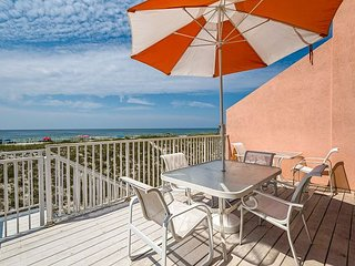 ' Jen's Creole Cottage' Amazing Luxury Gulf Front ! Discount Fall Rates