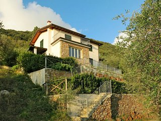 3 bedroom Apartment in Valdicastello, Tuscany, Italy : ref 5651111
