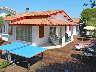 4 bedroom Villa in Hourtin-Plage, Nouvelle-Aquitaine, France - 5649939