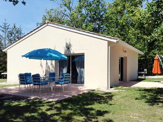 2 bedroom Villa in Grayan-et-l'Hopital, Nouvelle-Aquitaine, France : ref 5653007