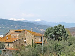4 bedroom Apartment in Grotta Giusti, Tuscany, Italy : ref 5651011