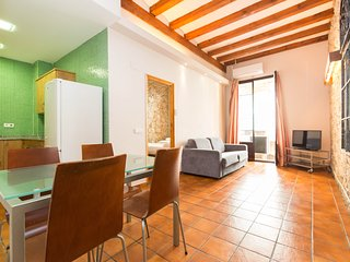 Flat for friends and families 3min from Ramblas