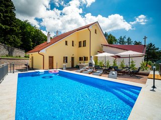 5 bedroom Villa in Oltari, Licko-Senjska Zupanija, Croatia : ref 5585825
