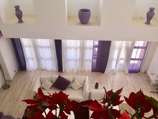 Amazing 4 bedrooms White Villa for your vacation 'E'