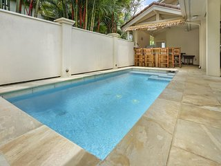 NEW LISTING! Beautiful home w/ dipping pool, nice location near golf & beach
