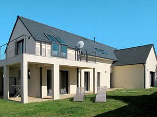 5 bedroom Villa in La Terre du Pont, Brittany, France : ref 5653081