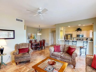 Dog-friendly condo w/ patio, shared pools, hot tub, golf onsite, and gym!