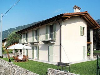 4 bedroom Villa in Lenno, Lombardy, Italy : ref 5651504