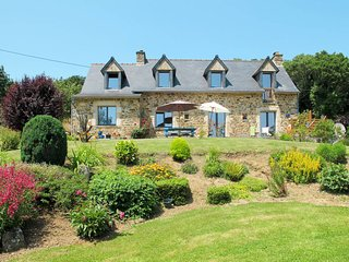 4 bedroom Villa in Tal-ar-Groas, Brittany, France : ref 5650029