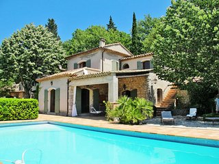 4 bedroom Villa in Gareoult, Provence-Alpes-Cote d'Azur, France : ref 5642402