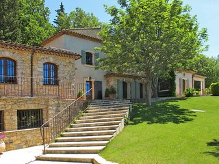 4 bedroom Apartment in Gareoult, Provence-Alpes-Cote d'Azur, France : ref 564240