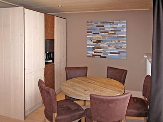 2 bedroom Apartment in Les Boisses, Auvergne-Rhone-Alpes, France : ref 5653193
