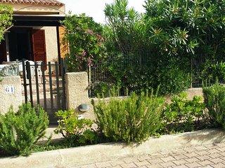 Villetta Vecchio Marino con patio e giardino