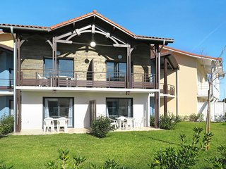 4 bedroom Apartment in Biscarrosse-Plage, Nouvelle-Aquitaine, France : ref 56530