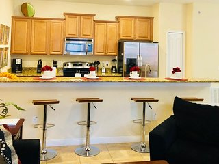Town Home Resort Living 4 BDRM With Pool OBAH1000