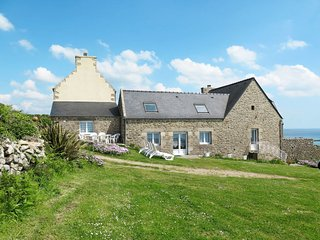 3 bedroom Villa in Kerdreal, Brittany, France : ref 5653245