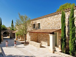 Les Gervais Holiday Home Sleeps 4 with Pool and Air Con - 5642246