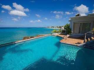 Amazing Ocean Front Villa, Pool, Direct ocean access