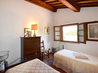 3 bedroom Villa in Collelungo, Tuscany, Italy : ref 5651018