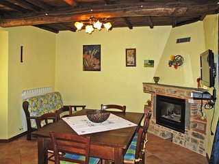 3 bedroom Apartment in Ansana, Tuscany, Italy : ref 5651511