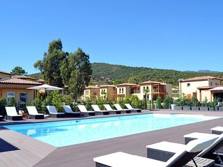 2 bedroom Apartment in Favone, Corsica, France : ref 5653014